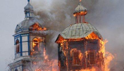 Раскольник Порошенко добился своего: Украину охватили религиозные войны - сторонники автокефалии штурмовали дом митрополита УПЦ